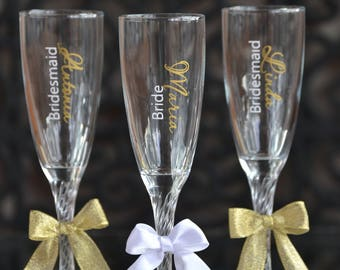 Custom bridesmaids glasses, Personalized bachelorette glasses, Bridal party champagne flutes, Wedding gift idea, Bridesmaids gifts