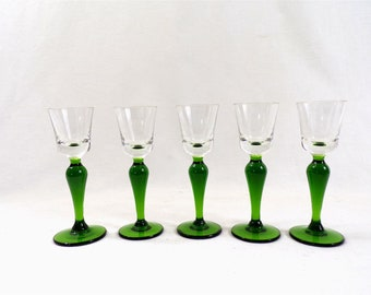 5 glasses with long legs in green blown glass, vintage France, shabby chic table, liqueur glasses
