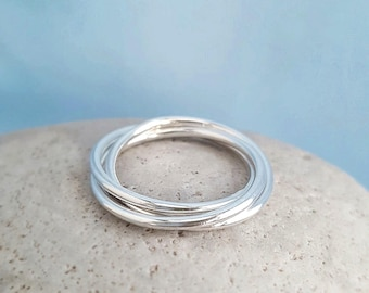 Russian ring skinny silver ring, three trinity rolling rings, 3 interlocking entwined rings, kinetic jewellery UK gift for her