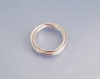 Russian ring 4 band silver skinny rolling ring, 4 interlocking entwined rings, delicate kinetic jewellery UK gift girlfriend wife mum
