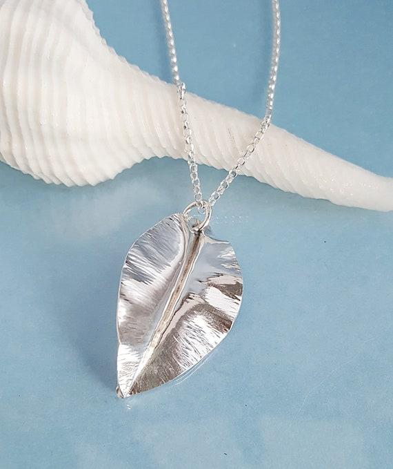 Fashion 50 Pcs Leaves Filigree Metal Crafts Jewelry DIY Accessories Pendant Pip/'