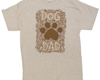 Linda's Gifts Men's Dog Lovers Dog Dad with Paw Print T-Shirt
