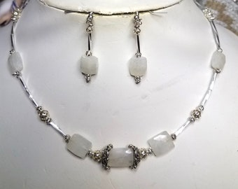 CLC536 Rainbow Moonstones W/ Silver Filagree Beads