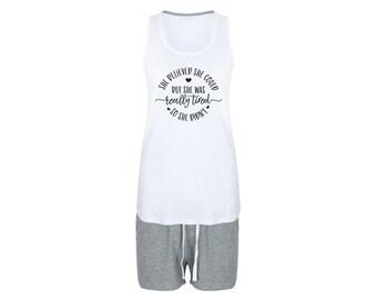 09cff4908a Shorty Pyjama mit Spruch bedruckter Schlafanzug Tanktop und Shorts grau weiß