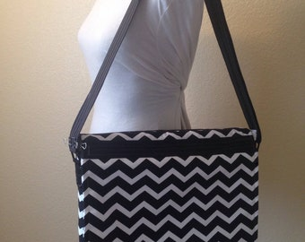 Black and White Chevron Messenger Bag | Messenger Bag | Over the shoulder bag | Ladies Messenger | Laptop Bag | Ladies Laptop Bag