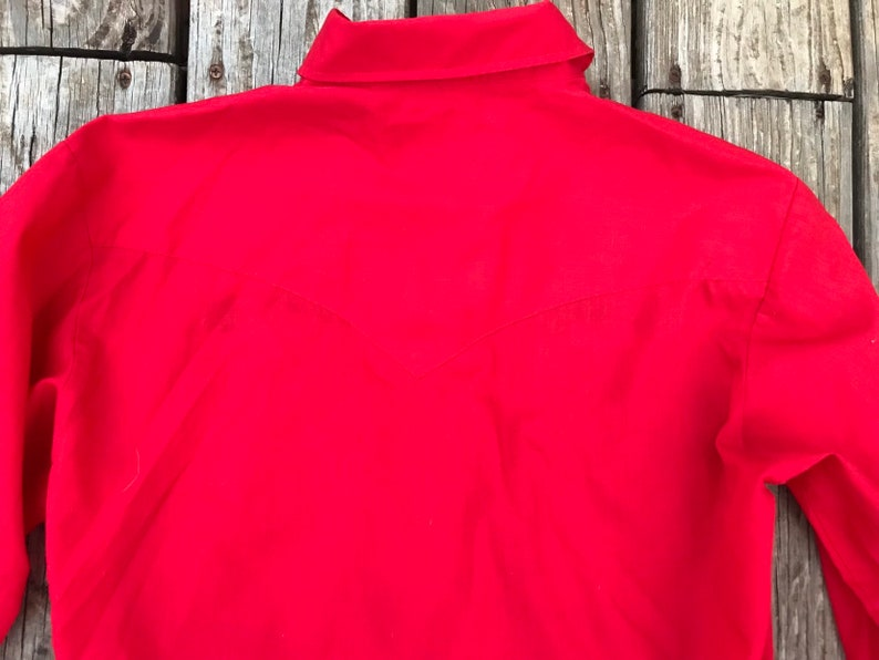 Vintage Red Western pearl snap button up with floral embroidery on shoulders  Size M