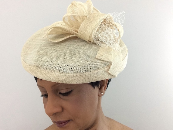 Ivory fascinator Wedding hat Mother of the Bride hat Ivory  14f77ce3fd8
