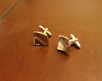 Silver Wavy Stylish Cufflinks