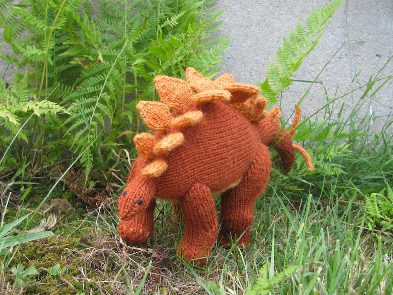 Stegosaurus Knitting Pattern image 0