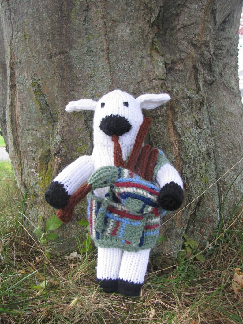 Highland Sheep Knitting Pattern image 0