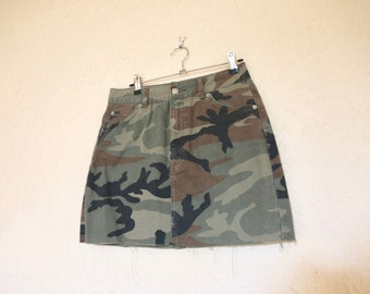 315b2e8f87 Vintage 1990s Faded Army Print Camo Military Green Pattern Denim Skirt Jean  Skirt Stretch Fitted High-Waisted Mini Skirt with Frayed Hem