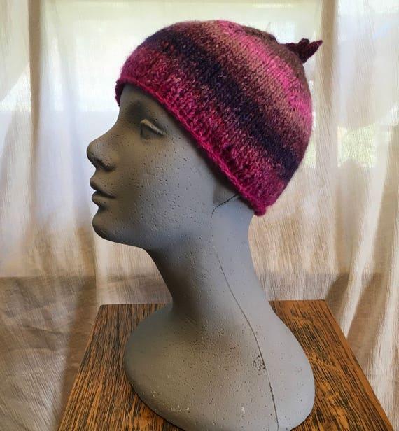 Cappello donna in lana blu slouchy morbido fatto a mano ai