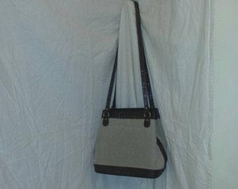 Brahmin Purse Alligator Canvas Dark Brown could also be Crocodile and Straw Weave J252