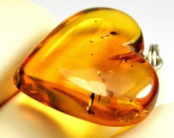Natural genuine Baltic Amber stone heart shape pendant cognac / honey / transparent 2 grams unique women's jewelry authentic rare 3301