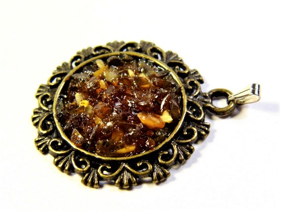 Natural genuine authentic honey / cognac Baltic Sea Amber stone mosaic and brass pendant authentic vintage retro style women's jewelry 1249