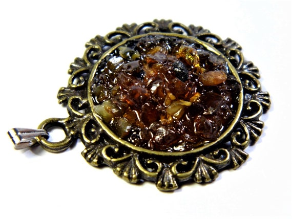 Natural genuine authentic honey / cognac Baltic Sea Amber stone mosaic and brass pendant authentic vintage retro style women's jewelry 1250