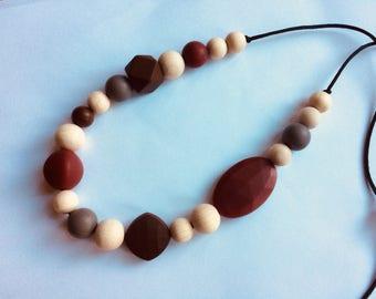 Silicone and wood teething necklace, nursing breastfeeding babywearing FREE UK POSTAGE
