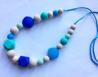 Sale***Silicone and wood teething necklace, nursing breastfeeding babywearing FREE UK POSTAGE