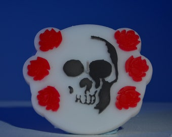 Skull and Roses Candle