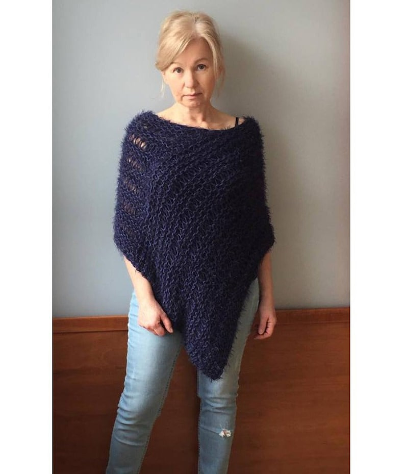 4cfd51615995ad Marine Strick Poncho Wolle gestrickt Poncho Frauen Wolle   Etsy