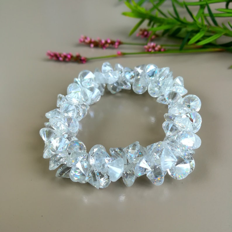 Crystal Bracelet With Diamond Cut Sparkling Stretched image 0