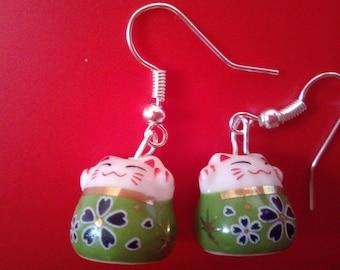 Chinese Japanese Maneki Neko Lucky Money Cat Porcelain Gold or Silver Tone Earrings
