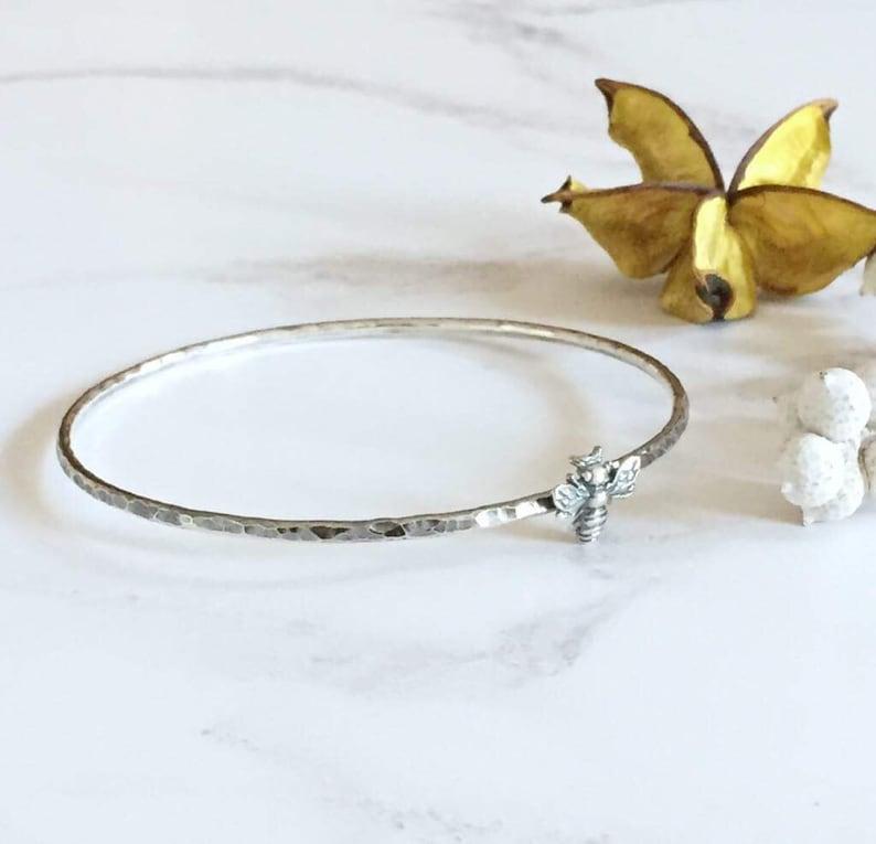 bumble bee bangle queen bee bangle Bee bangle honeybee bangle bee jewelry bee gift modern silver bangle bee bracelet hammered bangle