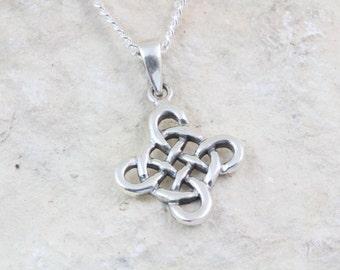 Sterling silver Celtic knot necklace. Endless love Celtic knot Necklace, Irish knot Necklace. Frienship Celtic Symbol. 5344