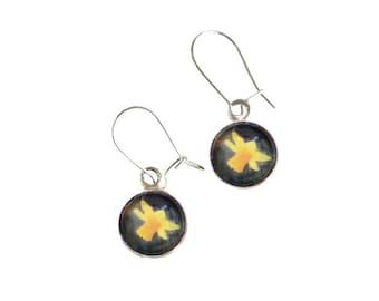 Daffodil Earrings, 925 Sterling Silver Flower Drop Earrings, Nature Jewellery made from miniature photographs, SJ400