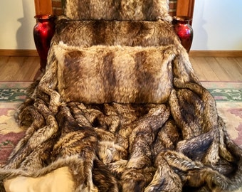 """BED SET-King Comforter & 2 King Shams-Golden Wolf Fancy Faux Fur/Comforter-108""""X91""""/Shams-36""""X20""""/Machine Wash-Dry/Ready to Ship to You Now!"""