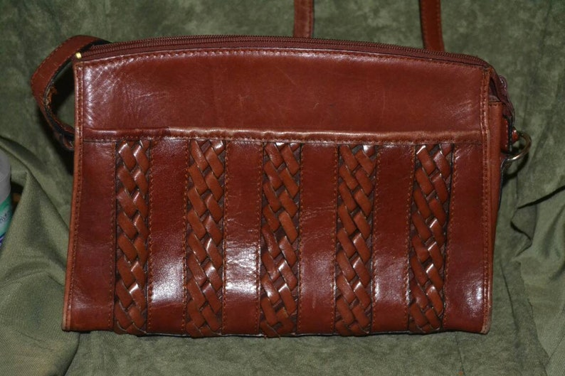 7f1049c9a0 Vintage Etienne Aigner Mahogany Leather Handbag Crossbody Purse Braided  Detail D... Vintage Etienne Aigner Mahogany Leather Handbag Crossbody Purse  Braided ...