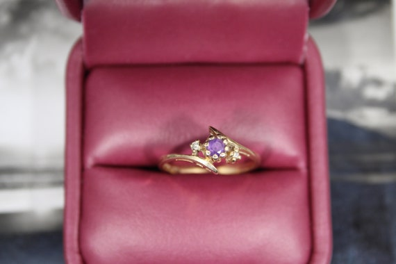 Simple Amethyst and Diamond Chip Solid 10k Yellow
