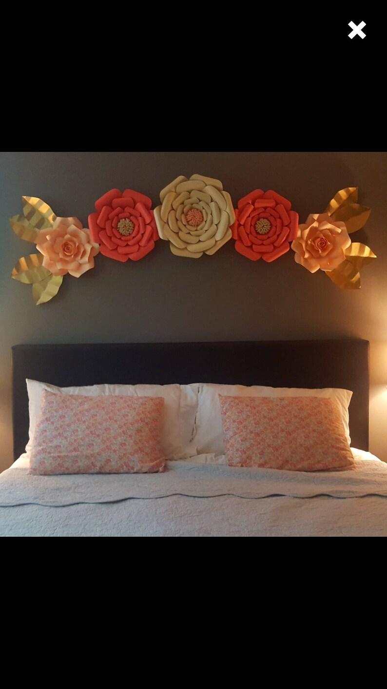 5 Stück Papier Blumen-Schlafzimmer Dekor - Wand Blumen für die Wand - große  Papierblumen - Kunst - Brautdusche Dekorationen - Kuchen Tisch backdr