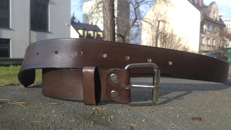MenS Leather Belt With Chrome Buckle