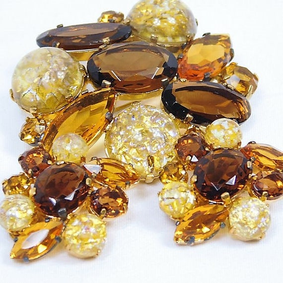 Rhinestone Brooch Earrings Set / Demi Parure / Art Glass / Cats Eye / Topaz