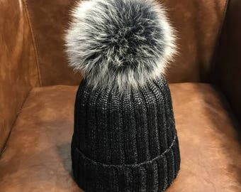 Black Beanies Snow Gray Fox Furry Balls Hats Pompoms Handcraft Winter Soft  Hats Fashion Women hats Genuine Fuzzy Puffs Beanies Bling Cotton 5aa4307a53cc
