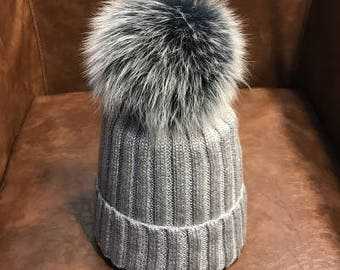 Sliver Beanies Snow Gray Fox Furry Balls Hats Pompoms Handcraft Winter Soft  Hats Fashion Women hats Genuine Fuzzy Puffs Beanies f32426070c38