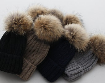 Cute Female Hats Fluffy Large Pom Poms Fox Fur Hat Cotton Women Hat Brown Fox  Fur Ball Pompoms Hat BLACK tips Pom pom Knit Beanie for Women 59a3b1532794