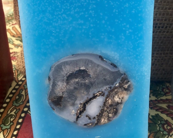 Crystal Geode Candle~ Tall Square Scented Candle with an inlaid Crystal Geode that illuminates when lit! Burns for 200 hours