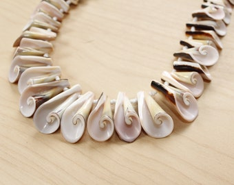 1950s/1960s Necklace- Graduated Seashell- Pink- Atomic- Mid Century