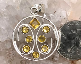Abstract Citrine Pendant Necklace