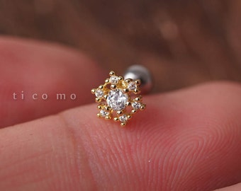 Cartilage earring 20g Tragus earring Helix earring Helix piercing Cartilage Tragus stud Cartilage piercing Conch piercing Snow flake
