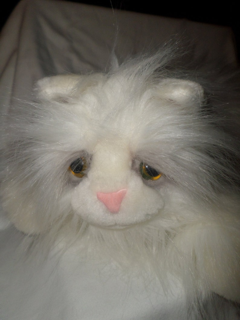 Yellow Eyes To 14 Ecu Lou Meow Cat White Shade Of Coal Fur With Lots Plush Rankin Eye Kitty Cuddle f6v7yYbg