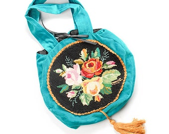 Velvet handbag with embroidery