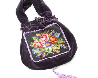 Purple velvet handbag with embroidery