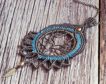 Lotuses macrame necklace in olive and turquoise blue, tree of life, necklace with leaf
