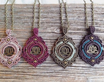 pretty gipsy lotus macrame necklace in light brown, lotus flower, antique gold, tribal, coachella style