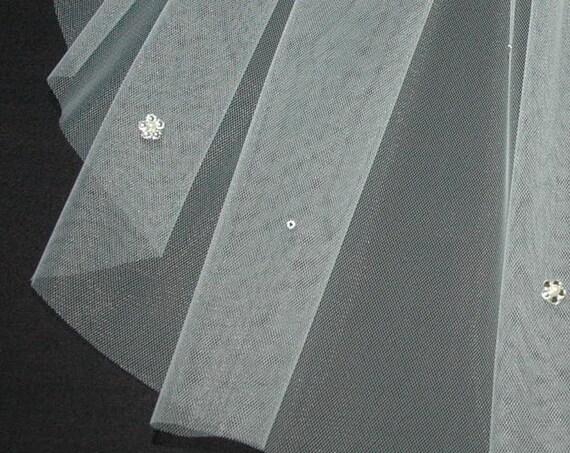 1 Single Tier Crystal Flower Wedding Veil LB Veils LBV38.s UK