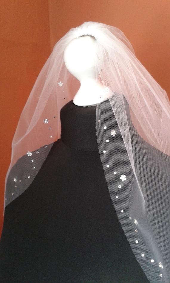 Wedding Veil Crystal Diamante Flowers Scalloped LB Veils UK LBV209