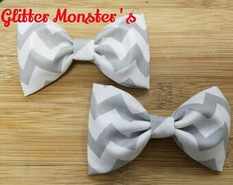 Boys Gray Chevron Bow Tie in Cotton, Ring Bearer Bow Tie, Groomsmen Bow Tie, Wedding Bow Tie, Easter Bow Tie, Clip On Bow Tie
